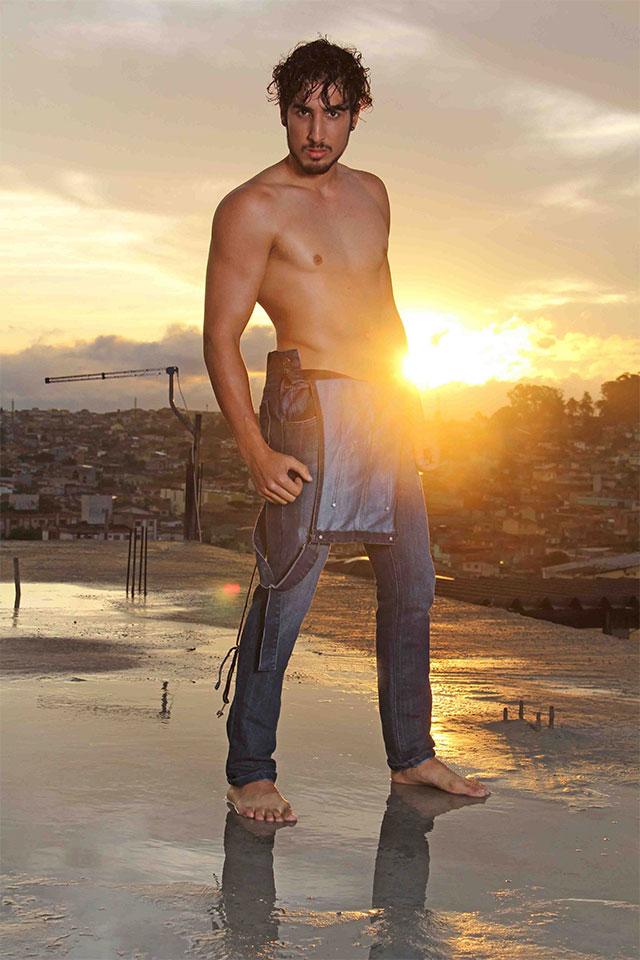 Peterson Bonatti posa para ensaio sensual dirigido por Jorge Beirigo. Foto: Jorge Beirigo
