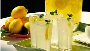 6 Manfaat minum air lemon setiap pagi hari