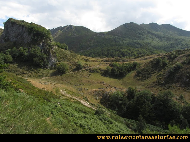 Ruta Ventaniella, Ten y Pileñes: Vista de El Xerru