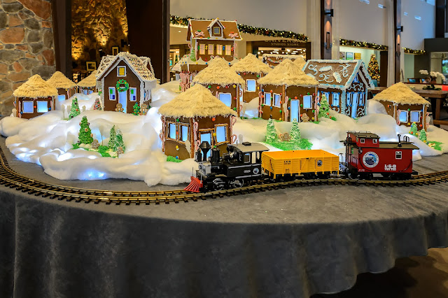 Lowes Sapphire Falls - Christmas Gingerbread Village and Train