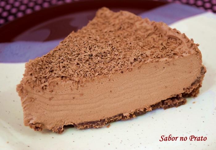 como fazer torta mousse de chocolate