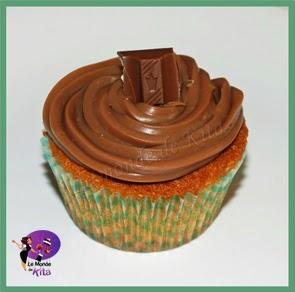 http://monde-de-kita.blogspot.fr/2014/03/les-cup-cakes-aux-kinder-jai-vu-passer.html