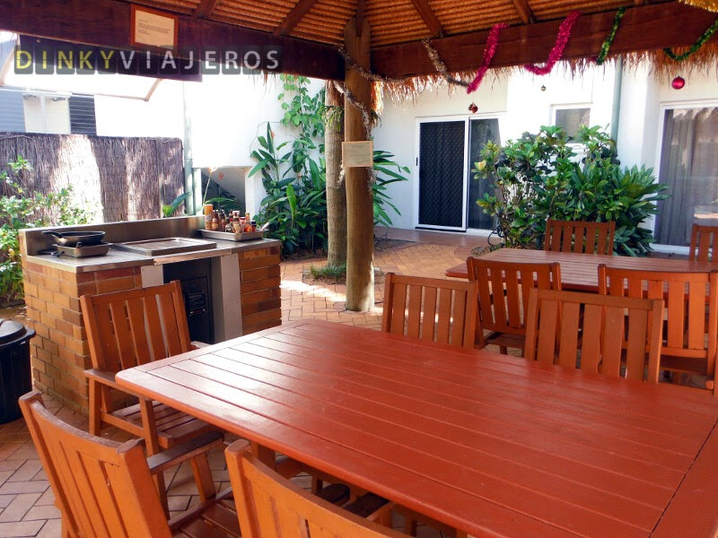 Hotel Coral Tree Inn. Terraza barbacoa