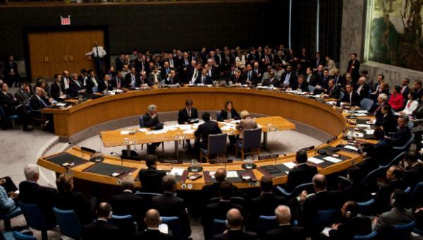 """ONU declara que sigue """"de cerca"""" la crisis venezolana y condena actos violentos"""