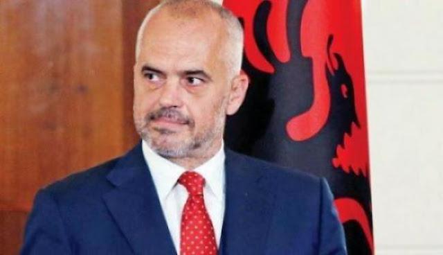 Οι Αλβανοί προσβάλλουν την Ιστορία των Ελλήνων