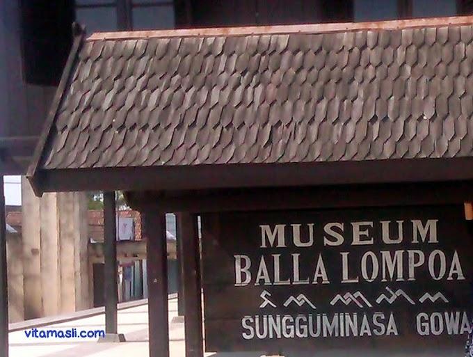 Suatu Hari di Museum Balla Lompoa