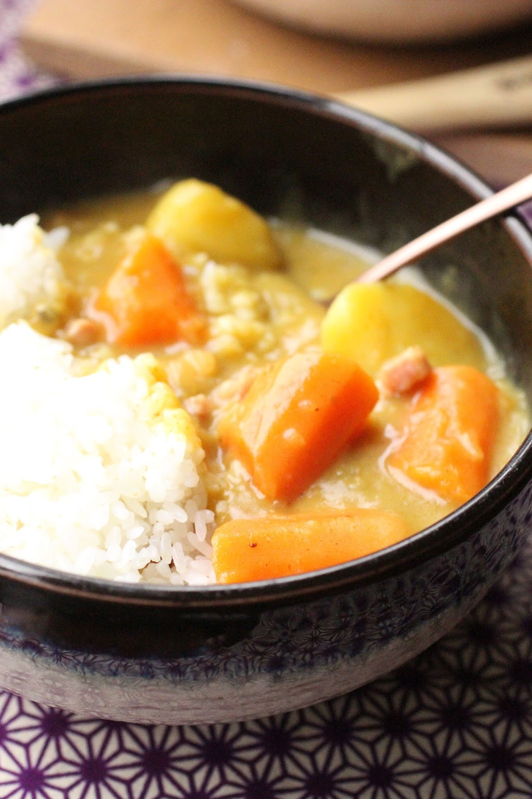 un peu gay dans les coings curry et riz comme au japon kare raisu. Black Bedroom Furniture Sets. Home Design Ideas