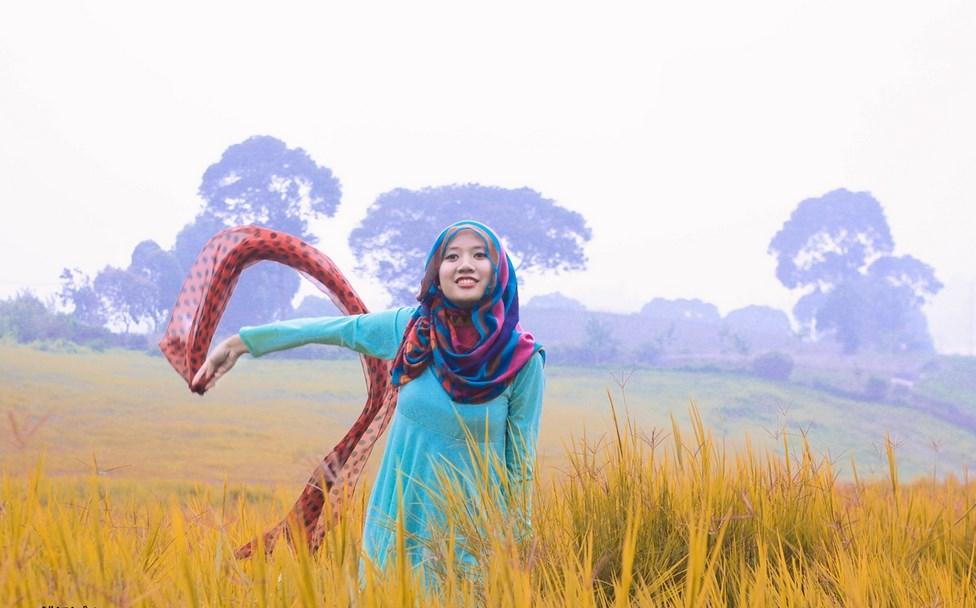 Tips Konsep Hunting Foto Jilbab Natural baju ketat dan manis cewek manis