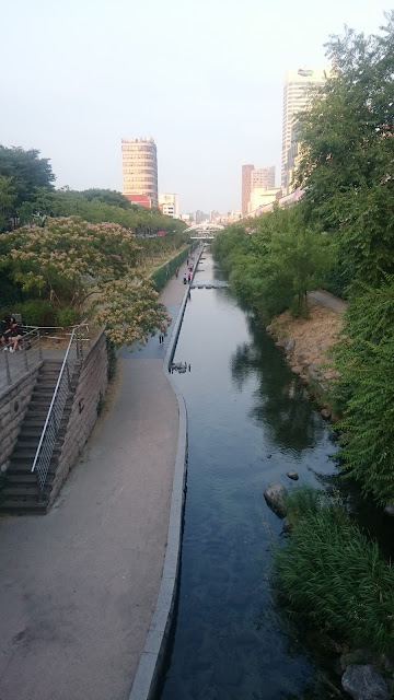 Cheonggyecheon Stream near Dongdaemun