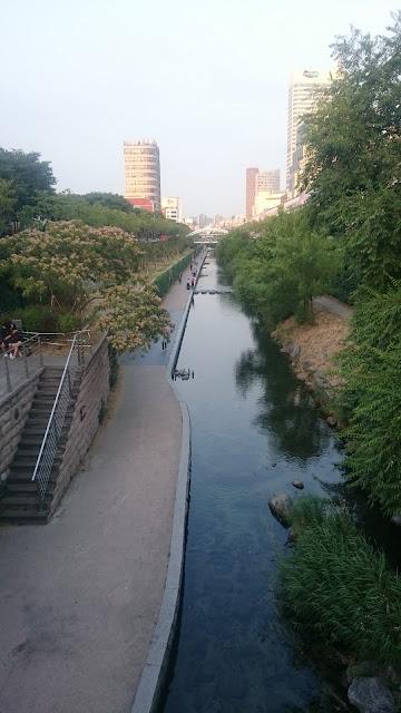 Cheonggyecheon Stream near Dongdaemun