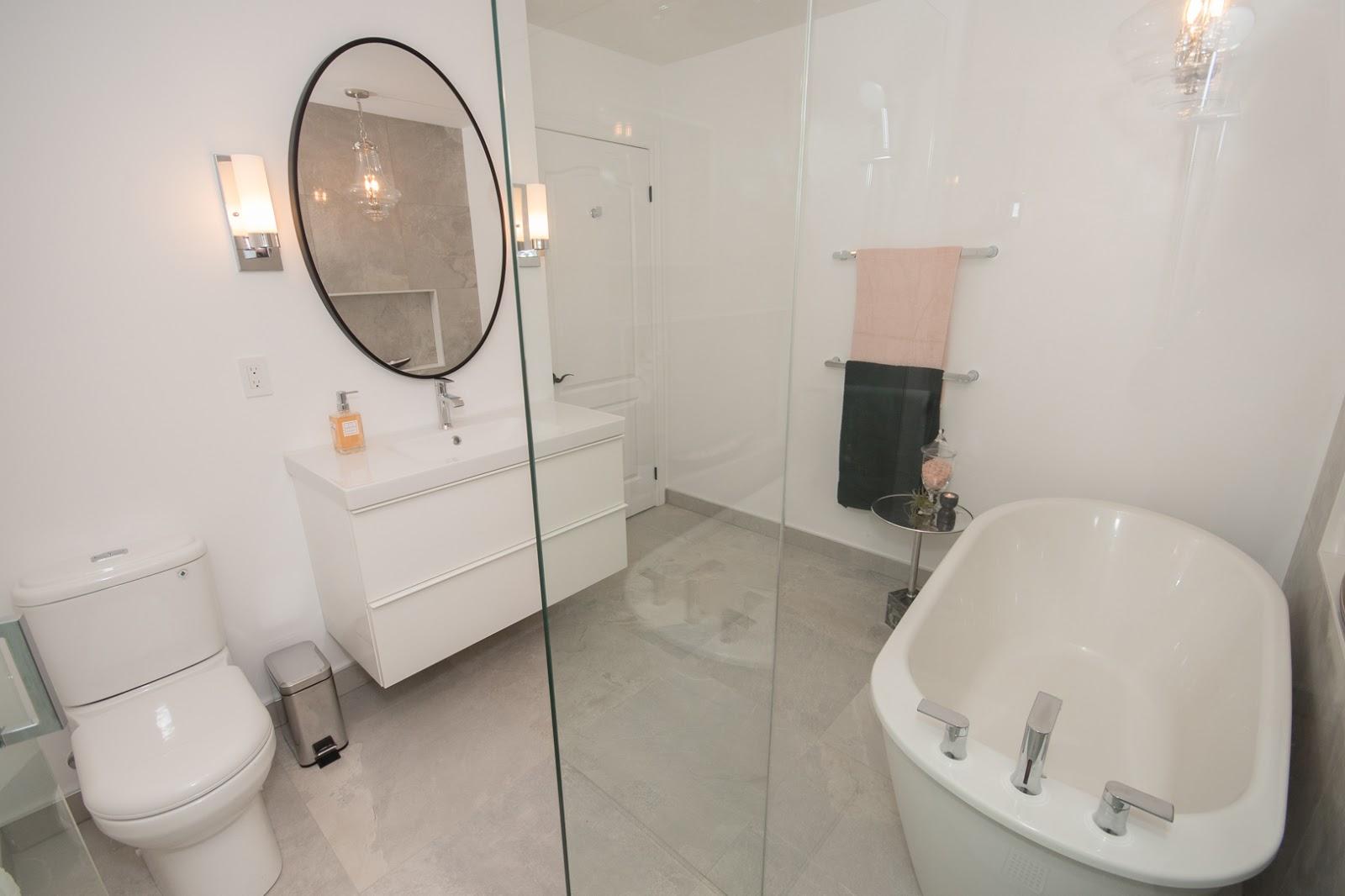luxury washroom in town house