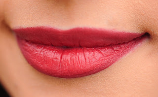 Cara Memerahkan Bibir yang Pucat
