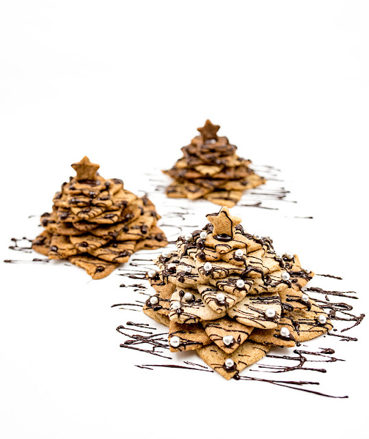 3D cookie christmas tree - almond and chocolate