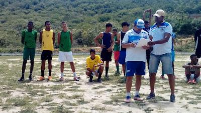 Dois jovens do Angico de Mairi passam em teste no Jacobina Esporte Clube