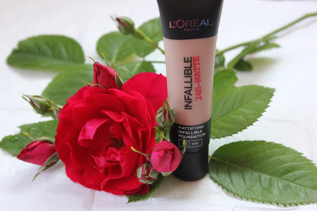 Отзыв: Тональный крем с матирующим эффектом L'Oréal Paris Infallible в оттенке #20 Sand.