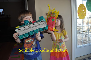Kids craft make a dinosaur and a parrot from an egg carton