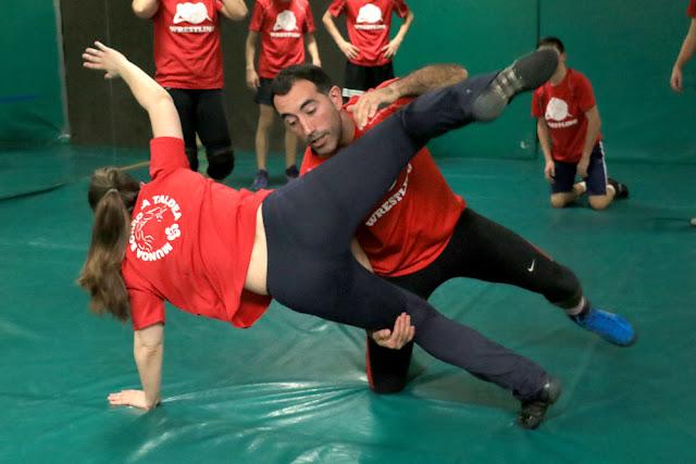 Roberto Hojas, en un entrenamiento del club Munoa