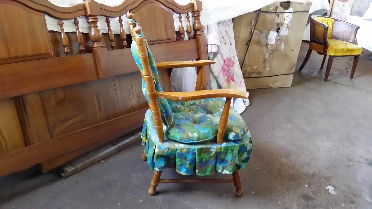 Oklahoma City Garage Sales on Craigslist - Shabby Chic Antique Rocking Chair