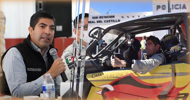 Armando Ayala, alcalde de Ensenada de paseo  offroad