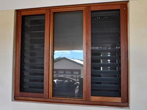 Gambar jendela rumah kayu minimalis sederhana - Jendela rumah minimalis