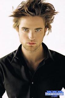 روبرت باتينسون (Robert Pattinson)، ممثل إنجليزي