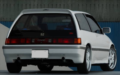 Civic Wonder Hatchback Putih 02