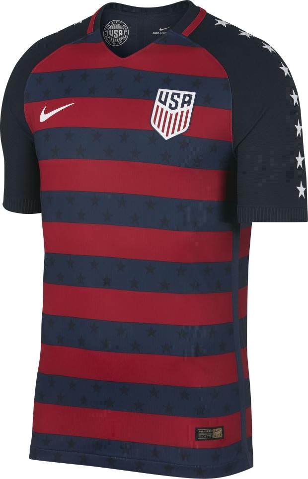 d43b5dc181 O modelo possui listras horizontais em vermelho e azul e azul marinho, com  estrelas em tom mais escuro e nas mangas. Compre camisa dos Estados Unidos  ...