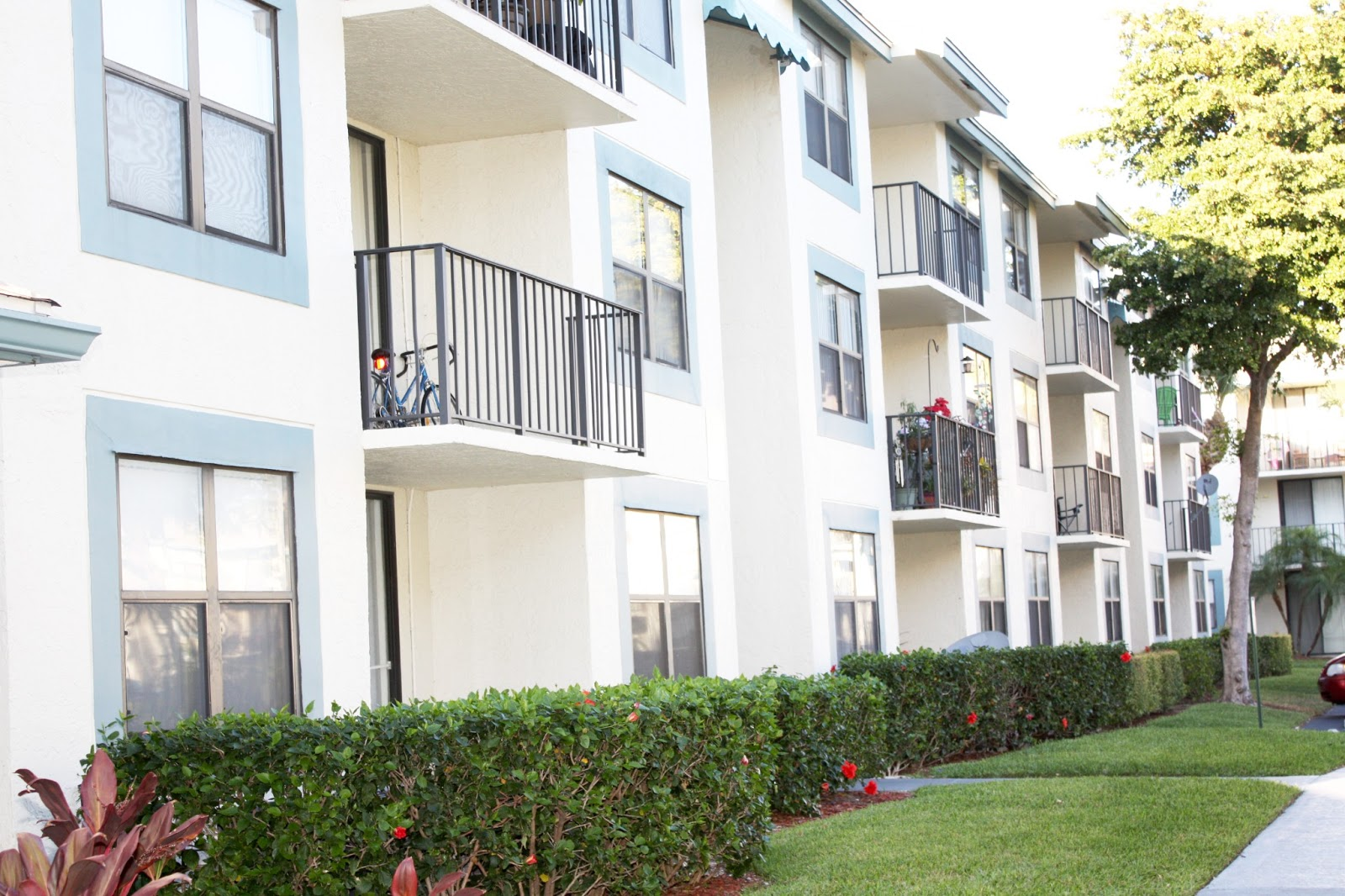 Bella Lago Vista: West Palm Beach Apartments & Condos For ...