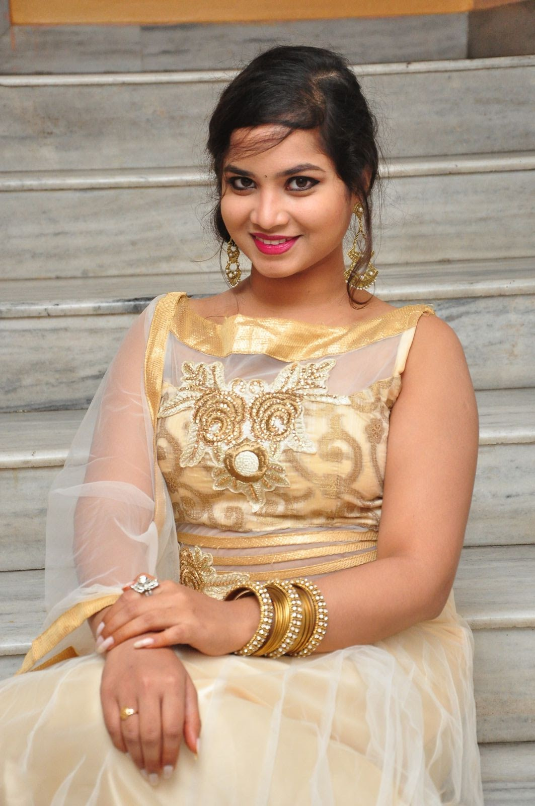 Actress Sirisha New Sizzling Photos Gallery