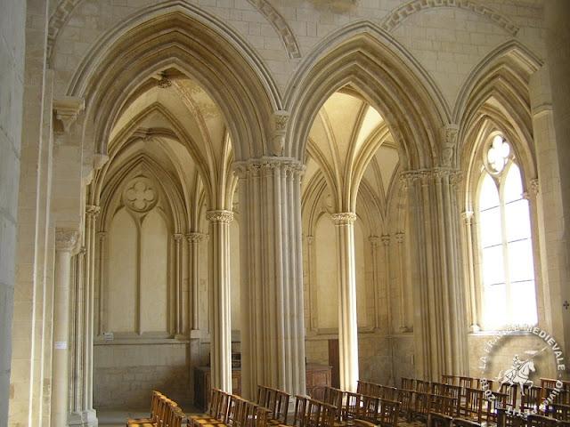 CAEN (14) - Abbaye aux Dames (Intérieur)