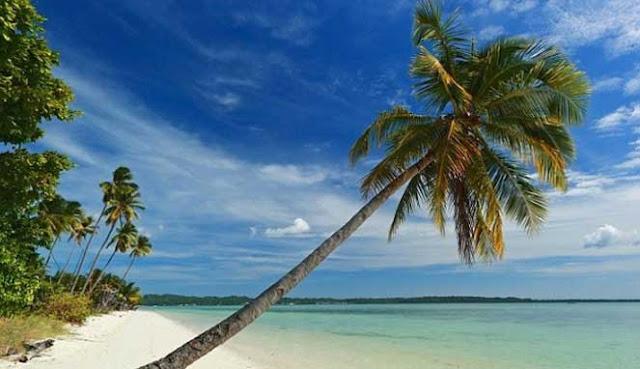 adalah salah satu wilayah kabupaten di propinsiSulawesi Tenggara 10 PANTAI TERINDAH DI WAKATOBI
