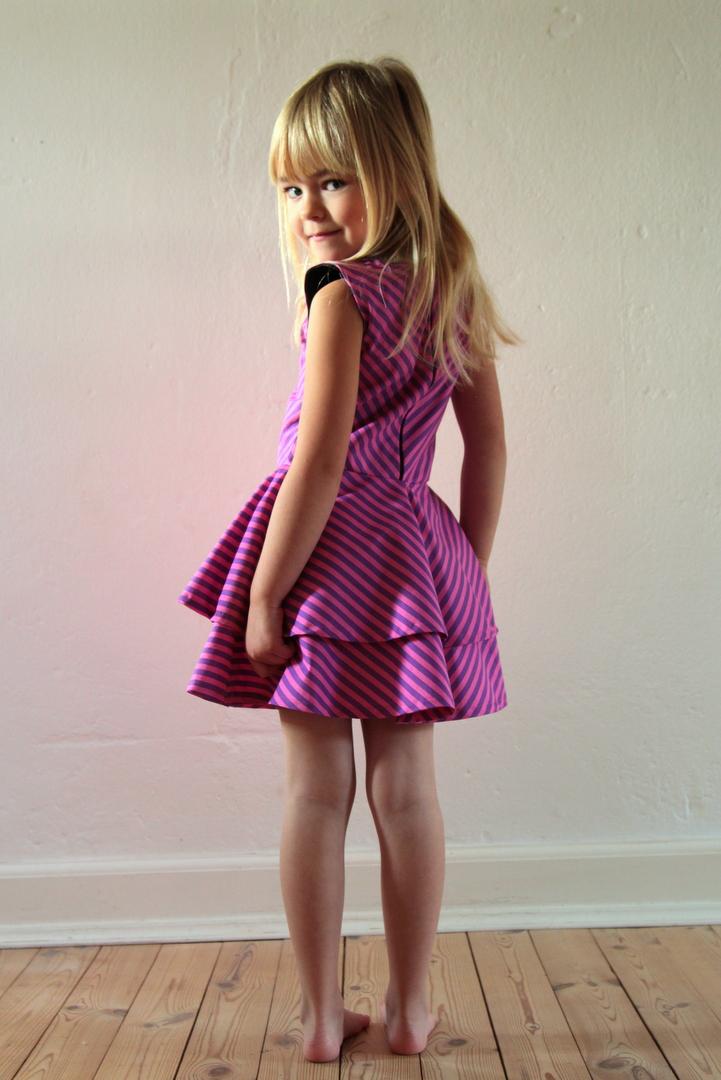 08180cef26bf LaRaLiL  Stribet kjole til Lara