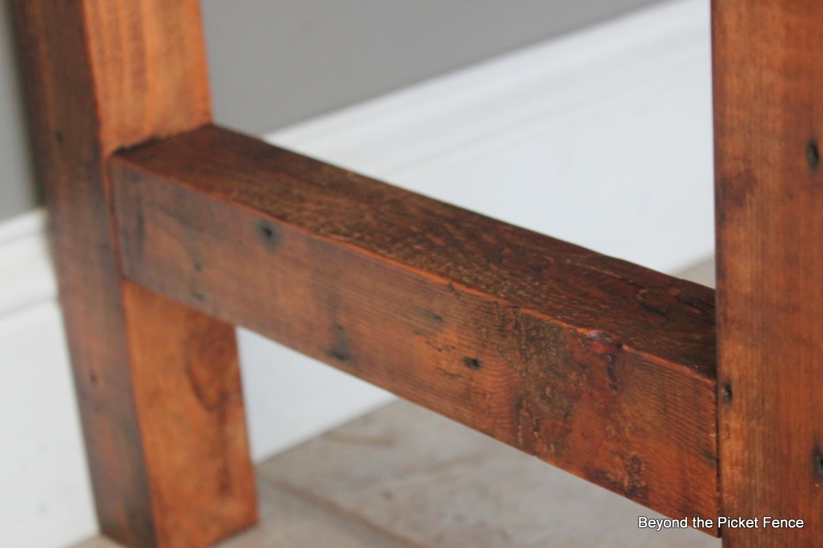 colorful rustic bench made with pallet wood and reclaimed wood http://bec4-beyondthepicketfence.blogspot.com/2014/04/colorful-rustic-bench.html