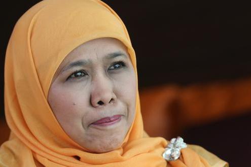 Menteri sosial Khofifah Ajak Korban Gempa Aceh Bersalawat