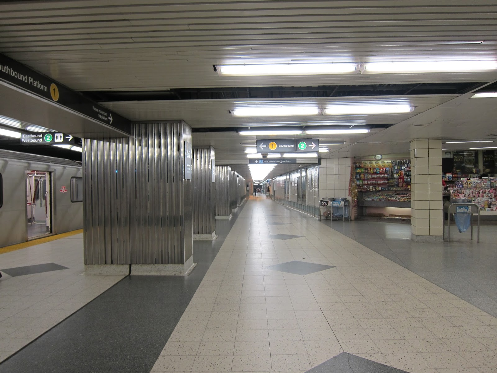 Bloor station's double-wide southbound platform