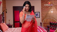 Jigyasa Singh from Thapki Pyaar Ki in Orange Transparent Saree (11).jpg