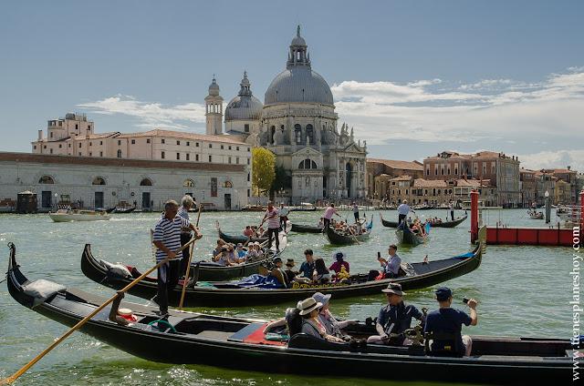Venecia gondolas que ver Italia ciudades bonitas