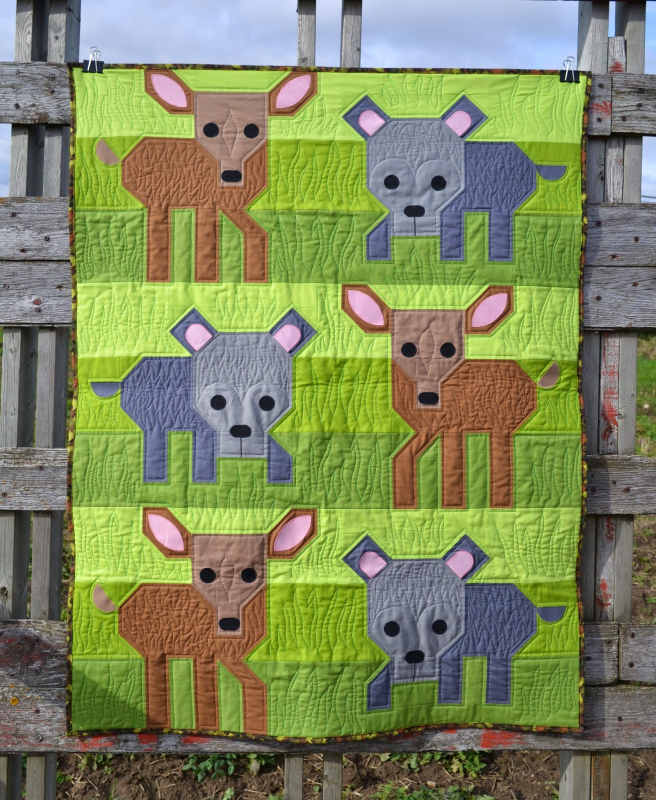 http://sewfreshquilts.blogspot.ca/2014/11/wild-life-friday-it-up-finish.html