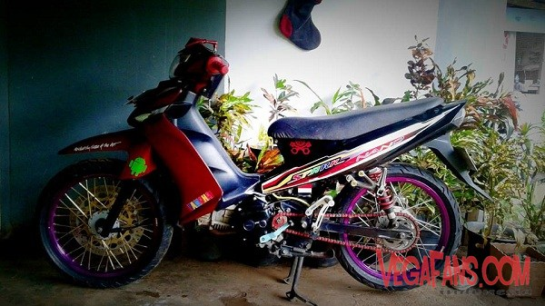 Foto Modifikasi Vega ZR Merah Road Race Velg Ungu