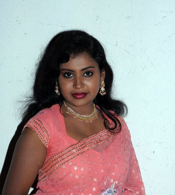 Tamil Actress Nalini Hot Saree Photos Gallery