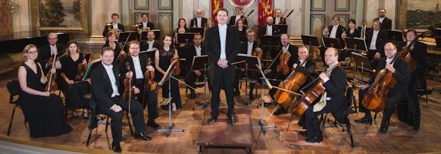 James Lowe & the Vaasa Symphony Orchestra (Vaasan kaupunginorkesteri)