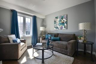 sala decorada gris azul