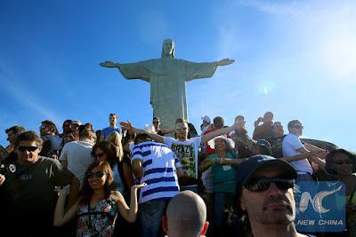 Foreign Tourists Love on Rio de Janeiro