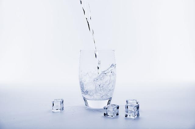 Oppdag fordelene med drikkevann