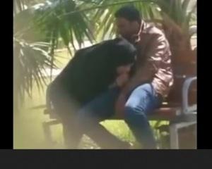 แอบถ่ายหญิงสาวมานั่งพลอดรักกับชายชู้ในสวน ชักๆอมๆโมกๆจนน้ำควยแตกคามือ