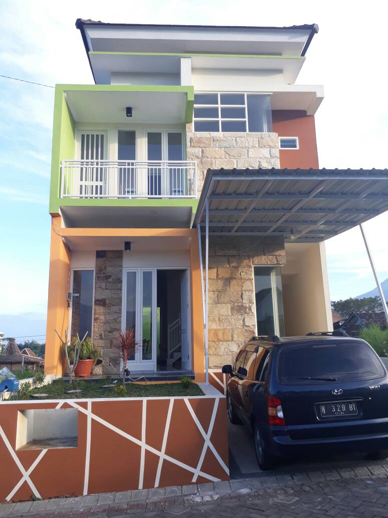 Villa Homestay Dekat Alun Kota Batu