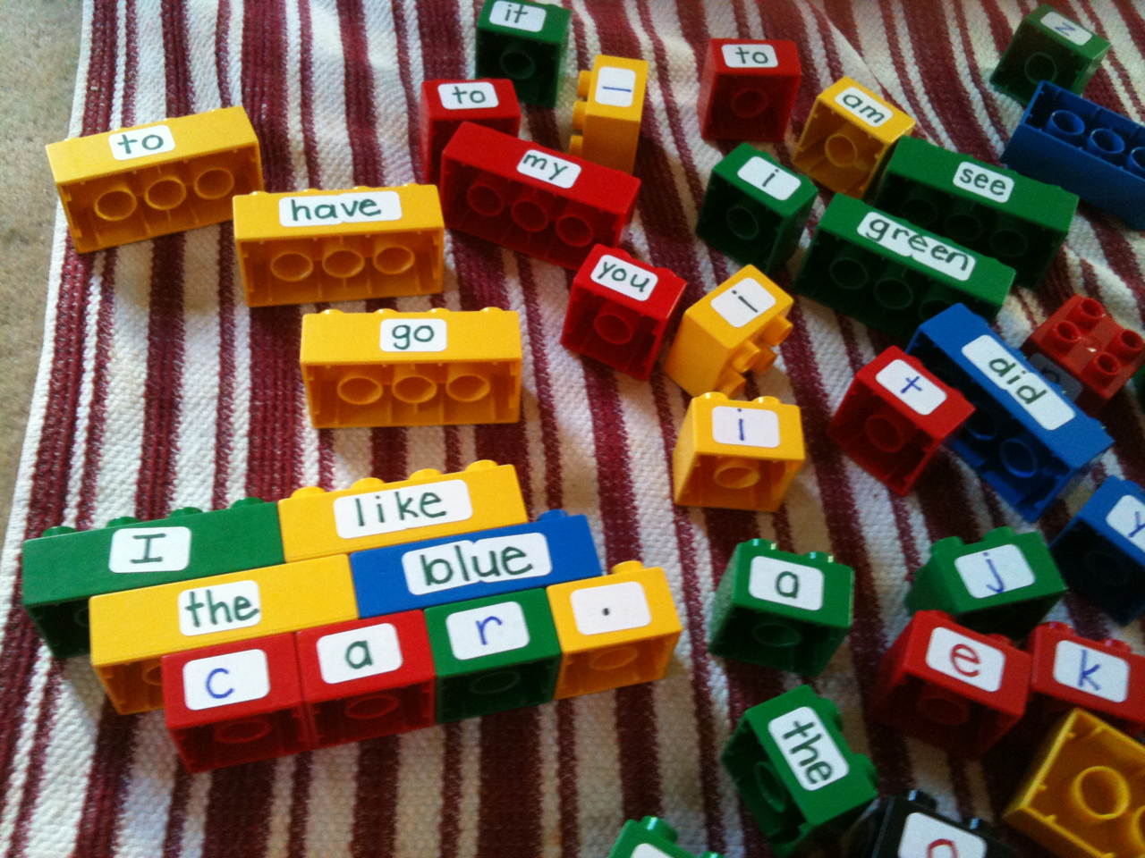 The Weekly Hive Lego Word Work