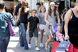 Victoria Beckham with kids in Los Angeles