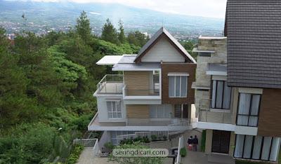 Ascarya Villa Batu dengan Kolam Renang & Pemandangan WOW!
