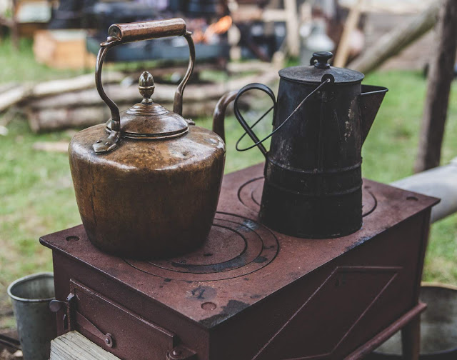 Rustic stovetop photo by Clem Onojeghuo via Unsplash